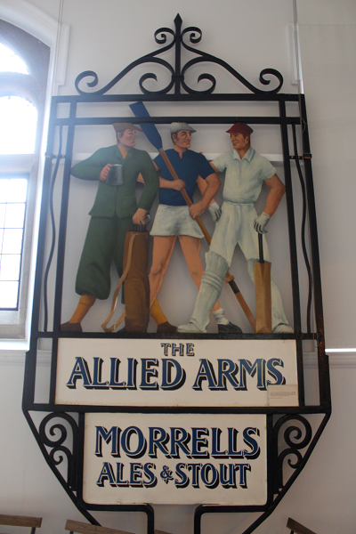 Pub sign for the allied arms